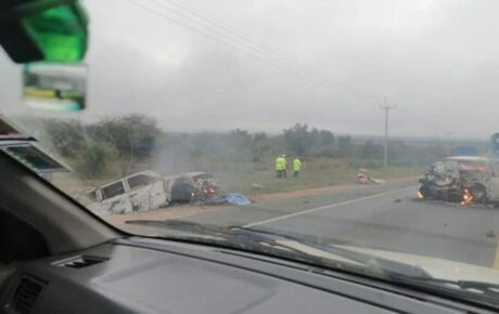 Video – 2 cars rammed into each other and burst into flames killing one person on Mombasa Road