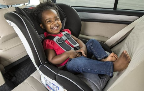 An ambulance worker has revealed that there's one life-saving thing all parents should do to their child's car seat