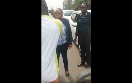 Motorist blocks and lectures Kirinyaga Women Rep Purity Ngirici for driving on the wrong side of the road  @KenyanTraffic