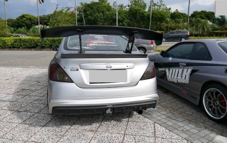 At what speed is a spoiler effective on a car?