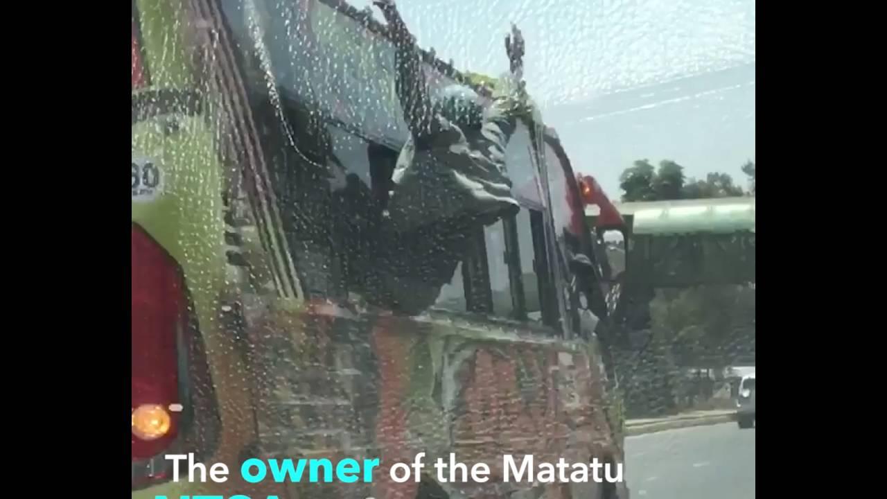 Video - 'Spiderman' makanga riding on two speeding matatus simultaneously