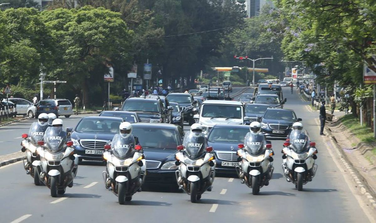 Motorist told not to give way at all to any VIP who is not on this list, don't let them bully you
