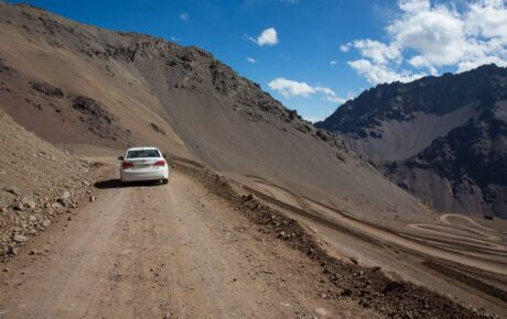 5 things you must do when driving on a rough road for long distances